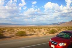 snabb bil i västra United States Royaltyfri Fotografi