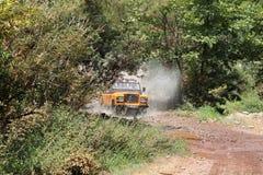 Snabb jeep - av vägen Royaltyfri Fotografi