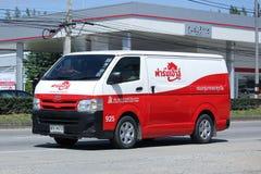 Snabb leveransskåpbil royaltyfri foto