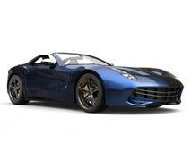 Snabb modern sportbil med metallisk målarfärg för två signal - blått och svart stock illustrationer
