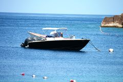Snabb motorbåt i Saint Lucia Royaltyfri Foto