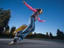 snabb rollerblading arkivfoton