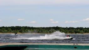 Snabba vattenmotorcyklar stock video