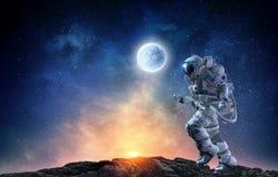 Snabbt blandat massmedia för astronautspring Arkivbilder
