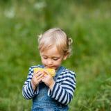 Snack auf der Natur Stockfoto