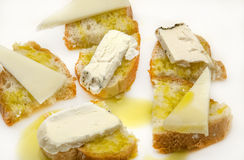 Snack of bread and goat cheese Royalty Free Stock Photos