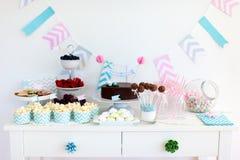 Snack en dessertlijst royalty-vrije stock fotografie