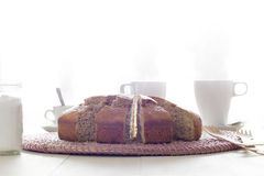 Snack met cake, thee en koffie Royalty-vrije Stock Foto's