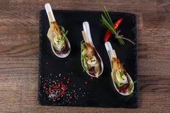 Snack met paling en ei stock foto