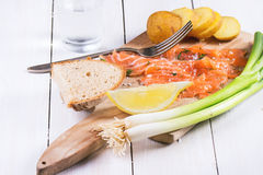 Snack mit gesalzenen Lachsen Lizenzfreies Stockfoto