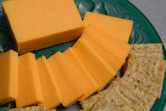 Snack plate of cheese and crackers Royalty Free Stock Photography