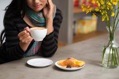 Snack und Kaffee stockbilder
