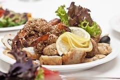 Snack van een haring met aardappels Stock Foto