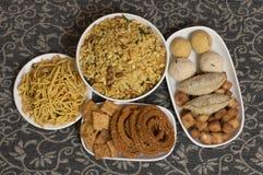 Snacks en snoepjes van het Diwali de de Indische voedsel stock fotografie