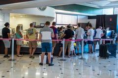 Snackshop im Flamingo Hilton Hotel u. im Erholungsort Stockfotos