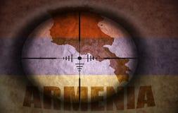 Snajperski zakres celował przy armenian mapą i flaga Zdjęcie Royalty Free