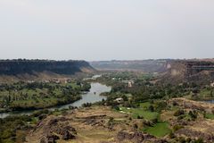 The Snake River Canyon near Twin Falls, Idaho. Scenic landscape view of the Snake River Canyon near Twin Falls, Idaho showing farms established through Stock Photos