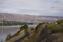 Snake River zwischen den anliegenden Städten von Lewiston, Idaho und Clarkston, Washington Lizenzfreies Stockbild