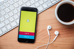 Snapchat est populaire une application de transmission de messages de photo Images stock