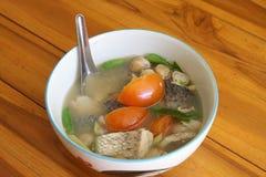 Snapper het goed van soepsmaken in kom Royalty-vrije Stock Foto's
