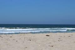 Snata Monica plaża z jasnym niebem Fotografia Stock