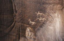 Sned Anasazi petroglyphs i kanjonen de Chelly - Arizona Fotografering för Bildbyråer