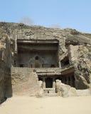 sned forntida aurangabad 26 27 backen för grottagrottaelloraen som hinduiska india nära nummer ut vaggar fasta tempel Royaltyfria Foton