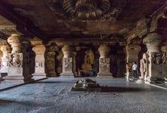 sned forntida aurangabad 26 27 backen för grottagrottaelloraen som hinduiska india nära nummer ut vaggar fasta tempel Royaltyfri Foto