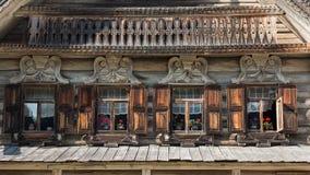 Sned träfönster Arkivfoto