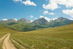 Sneeuw Afgedekte Pieken van Tien Shan Mountains Royalty-vrije Stock Afbeelding