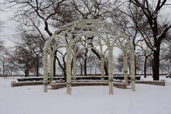 Sneeuw Behandeld Huwelijk Gazebo Royalty-vrije Stock Foto's