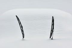 Sneeuw behandelde auto Stock Foto