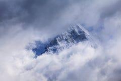 Sneeuw behandelde bergen en rotsachtige pieken in de Franse Alpen Royalty-vrije Stock Afbeelding