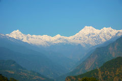 Sneeuw behandelde bergketen, Sikkim, Himalayans stock foto's