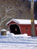 Sneeuw Behandelde Brug Royalty-vrije Stock Afbeeldingen