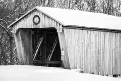 Sneeuw Behandelde Brug - Lynchburg, Ohio Royalty-vrije Stock Afbeelding