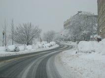 Sneeuw behandelde weg Stock Foto