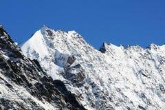 Sneeuw berg stock afbeeldingen