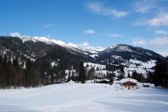 Sneeuw, Bergen, Kleine Hauses. Royalty-vrije Stock Fotografie