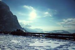 Sneeuw bergen op een zonnige dag Stock Foto