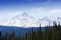 Sneeuw bergpieken Royalty-vrije Stock Afbeeldingen