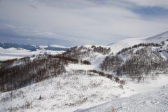 Sneeuw bij Bergen stock afbeeldingen