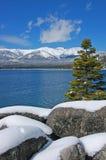 Sneeuw bij Meer Tahoe stock fotografie