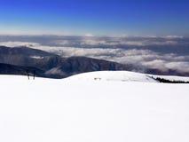 Sneeuw en bergen royalty-vrije stock foto's