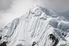 Sneeuw en Ijsvormingen op Yerupajà ¡ Chico, Cordillera Huayhuash, Peru Royalty-vrije Stock Foto