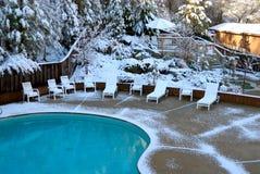 Sneeuw Omvatte Pool royalty-vrije stock foto