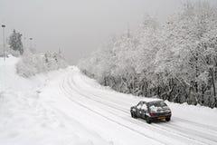 Sneeuw op de weg Stock Fotografie