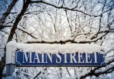 Sneeuw op Main Street Stock Afbeeldingen