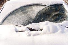 Sneeuw op windshielf van auto Royalty-vrije Stock Foto's