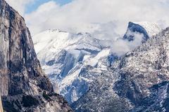 Sneeuw over Yosemite - Halve Koepel Royalty-vrije Stock Afbeelding